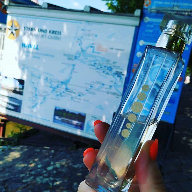 Dopolední relax s přáteli u Berlínského jezera Teegel See. http://www.essensworld.com - ID 10001234 #essens #relax #jezero #vylet #berlin #dovolena #zivotnistyl #bezcestovky #uzivamsi #essenslife #zazitky #zabava #justfeelit #essenstravelclubostrava #essens… http://bit.ly/2wBGZKU