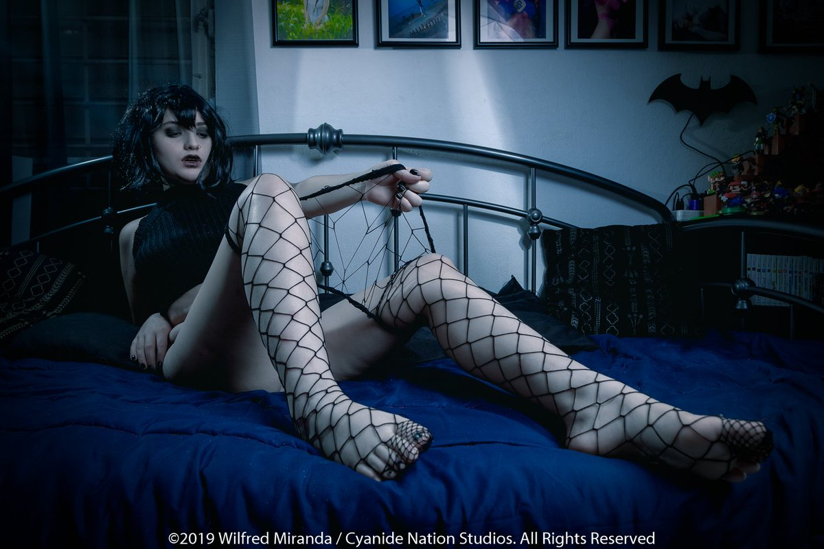 @CyanideNation New #Patreon set preview featuring Marie Kings as a lonely Mavis Dracula! Check out a preview at Download Photo | Twitur
