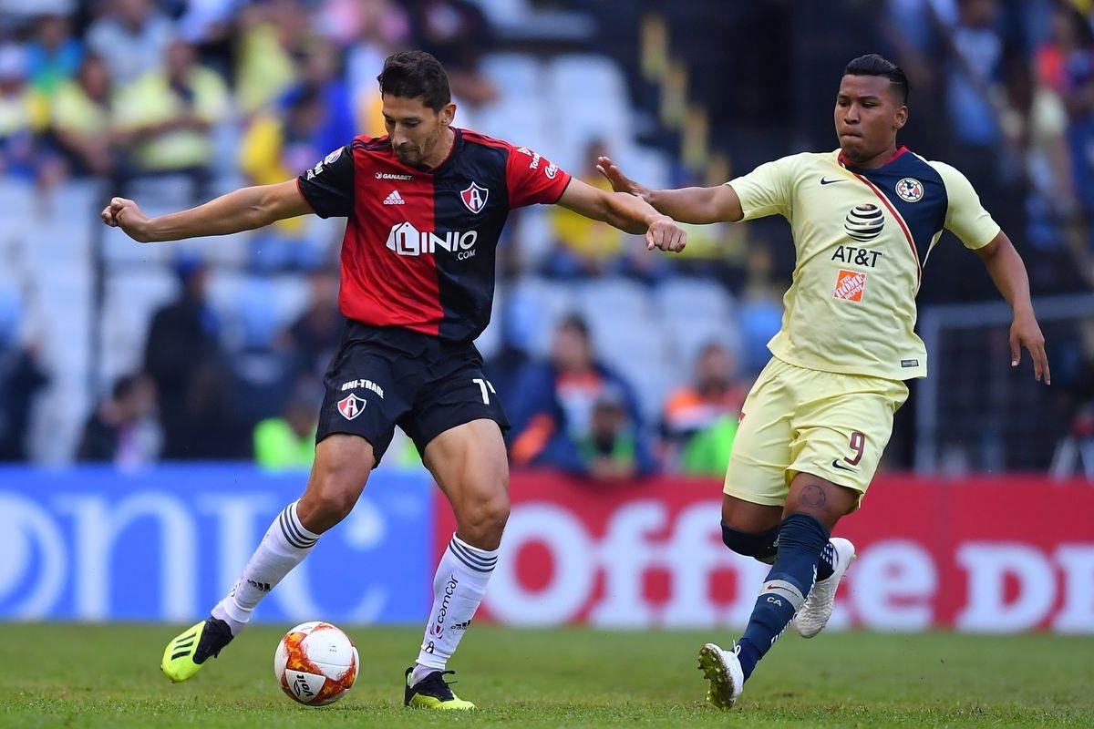 El Jugador #12's photo on Omar González
