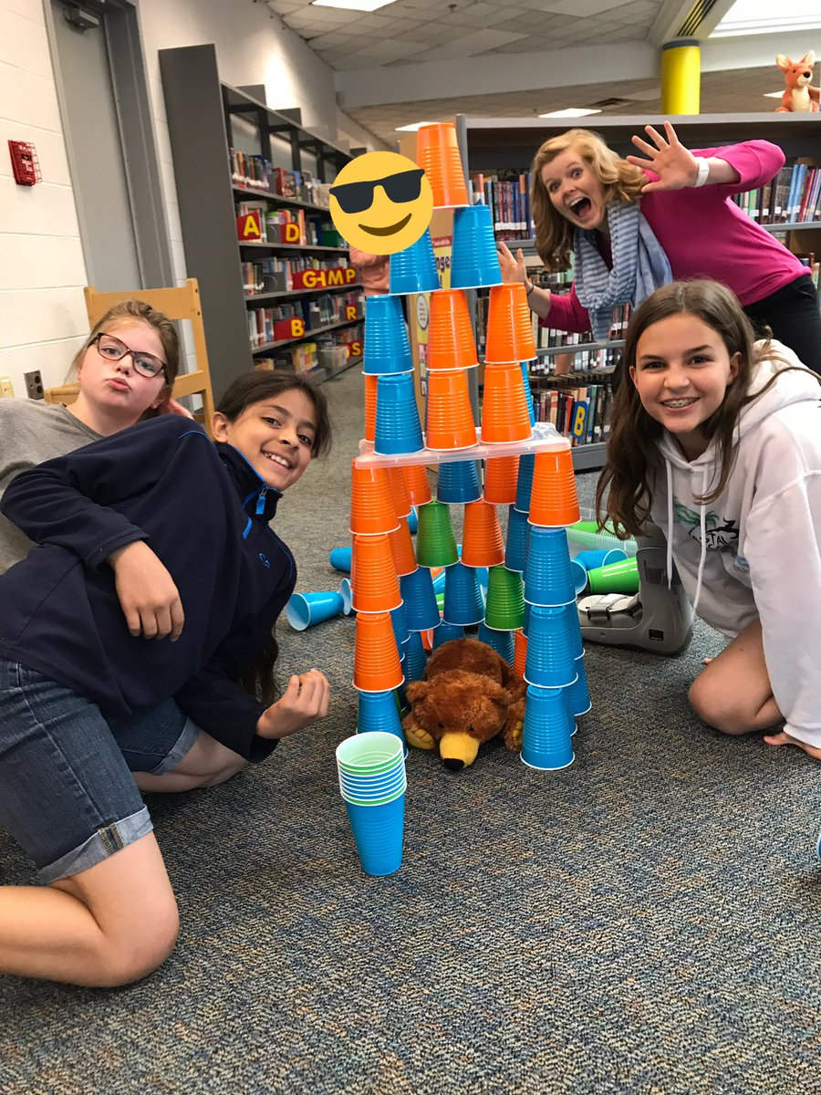 5th graders learned about the design process today during our Makerspace station challenges. They worked collaboratively to be creative problem solvers who thought outside the box! <a target='_blank' href='http://twitter.com/APSLibrarians'>@APSLibrarians</a> <a target='_blank' href='http://twitter.com/APS_ATS'>@APS_ATS</a> <a target='_blank' href='http://twitter.com/CaitFranz'>@CaitFranz</a> <a target='_blank' href='https://t.co/0xWhXFoRE1'>https://t.co/0xWhXFoRE1</a>