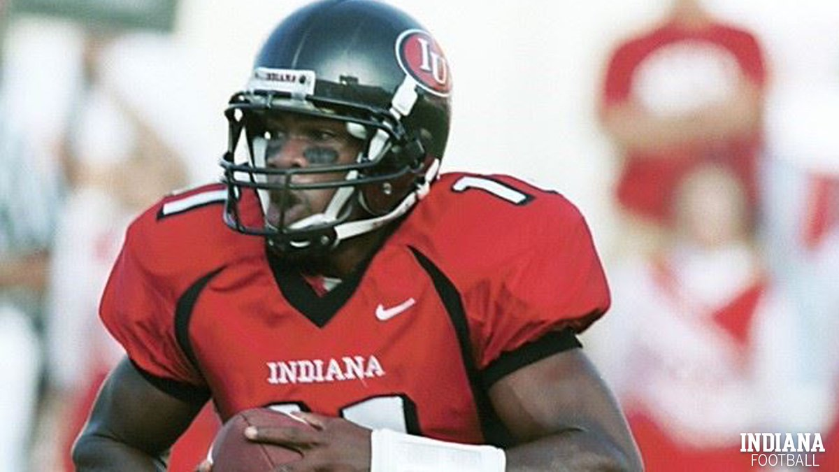 ⚪️ Antwaan Randle El 🔴 QB (1998-2001) 🏈 B1G FOY 🇺🇸 All-American  The #IUFB legend is on the 2020 College Football Hall of Fame ballot: https://t.co/cTg990Uhld. https://t.co/elK5Z86Qyz