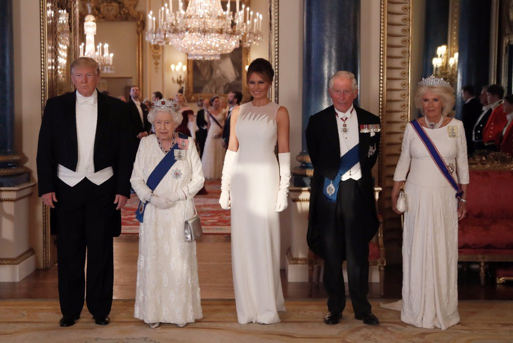 The Queen, The Prince of Wales and The Duchess of Cornwall with President Trump and the First Lady at Buckingham Palace ahead of the #USStateVisit  Banquet.