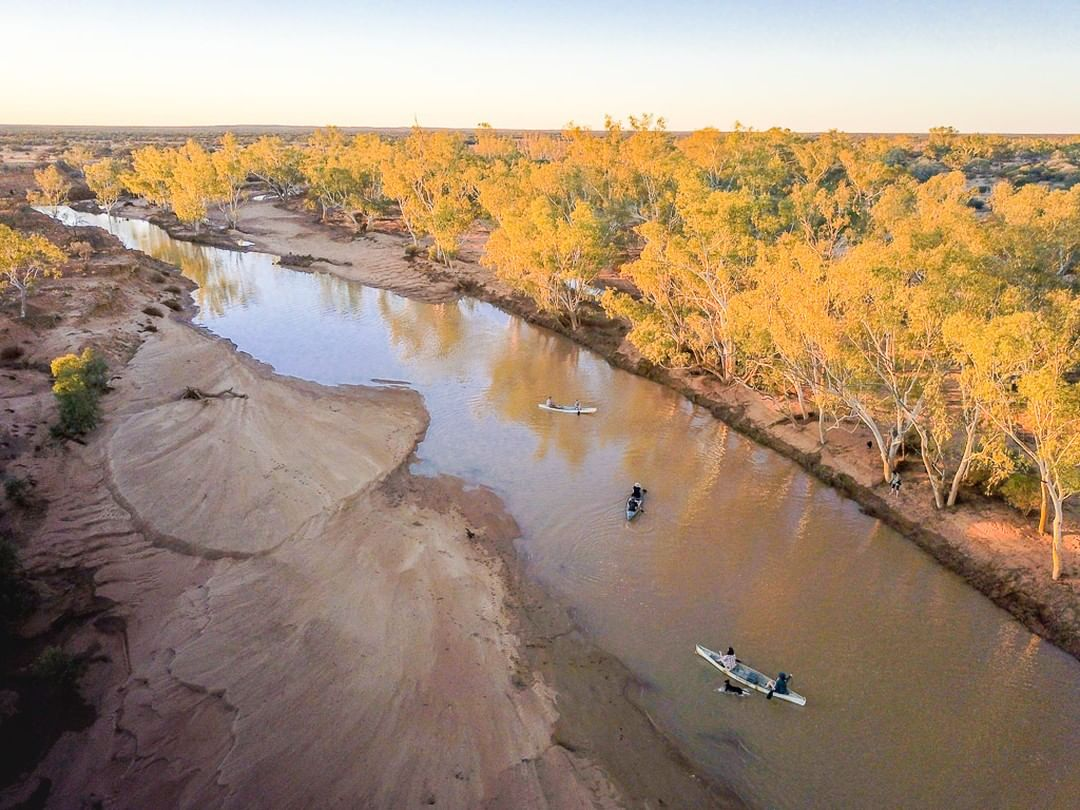 We're starting to see signs that the seasons have changed, and one sure sign is that the Gascoyne River has started to fill, forming some amazing paddling pools! Recent visitors to Wooleen Station were lucky enough tocanoe down the stream. Pic: IG/nic_duncan_photographer