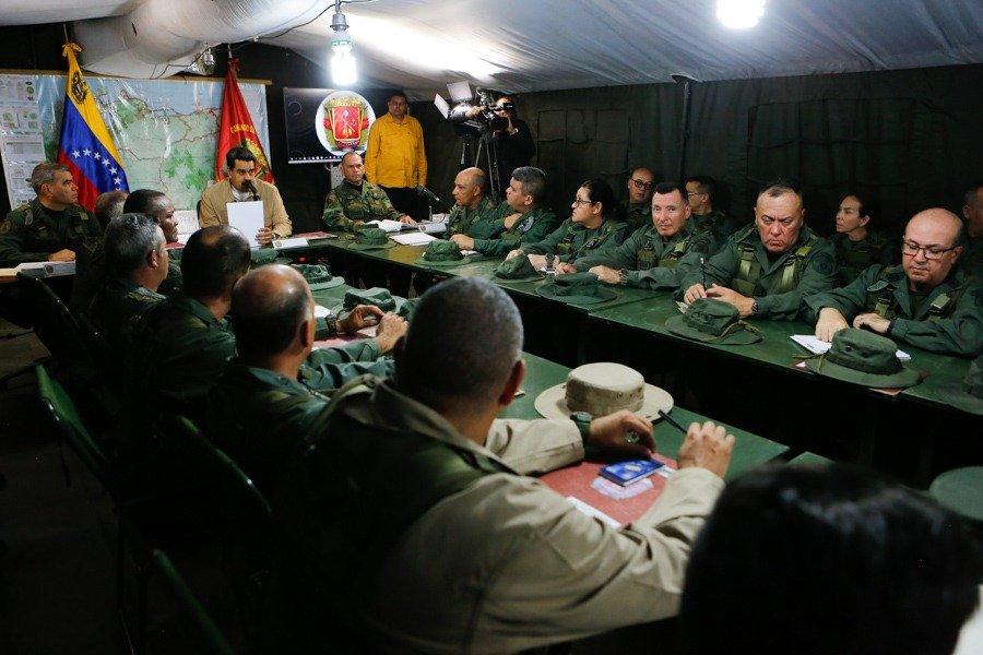 О российских военных специалистах в Венесуэле