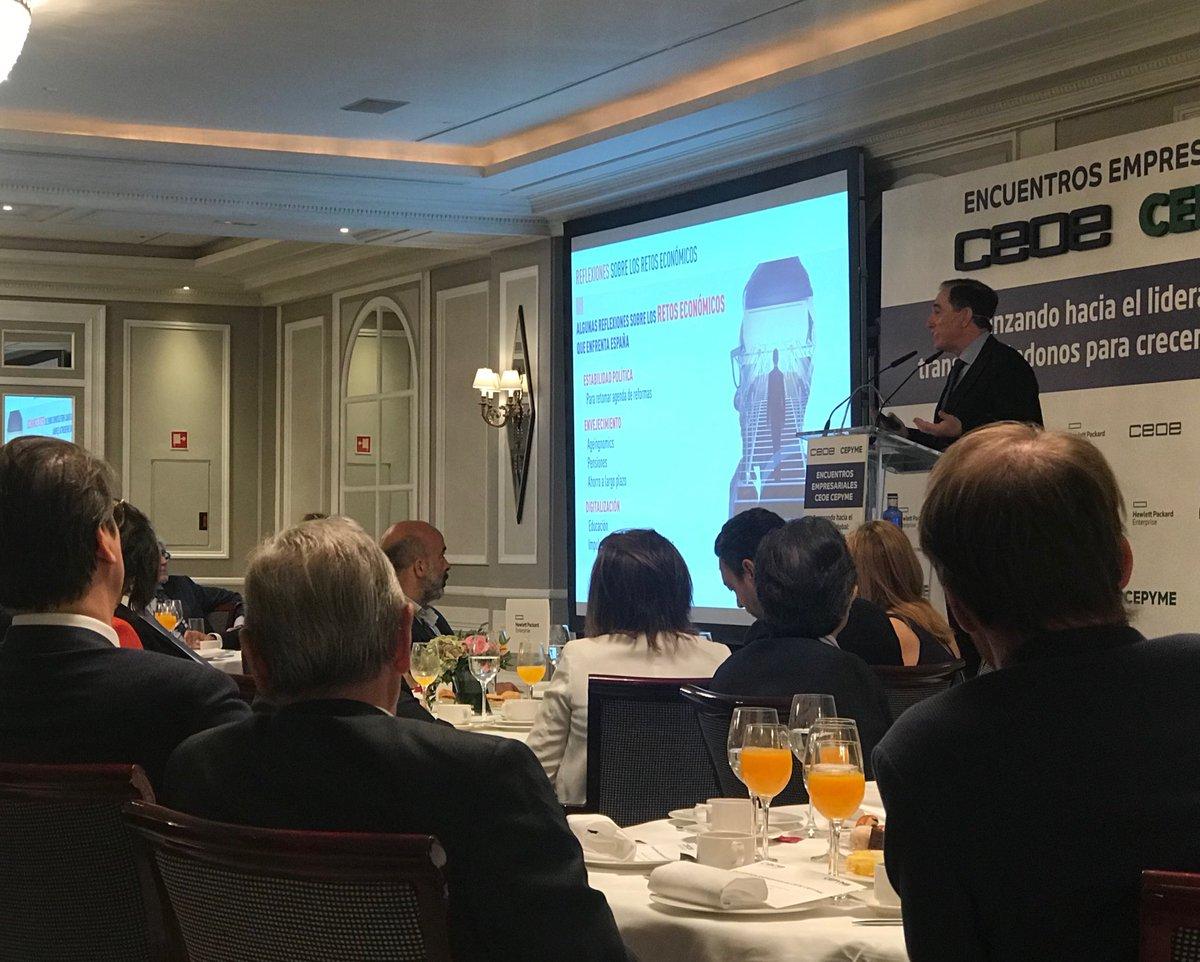 """""""Hay que acostumbrarse a convivir con la #incertidumbre y transformarse para aprovechar las oportunidades"""", @ahuertasmejias de @MAPFRE hoy en los desayunos de @CEOE_ES"""