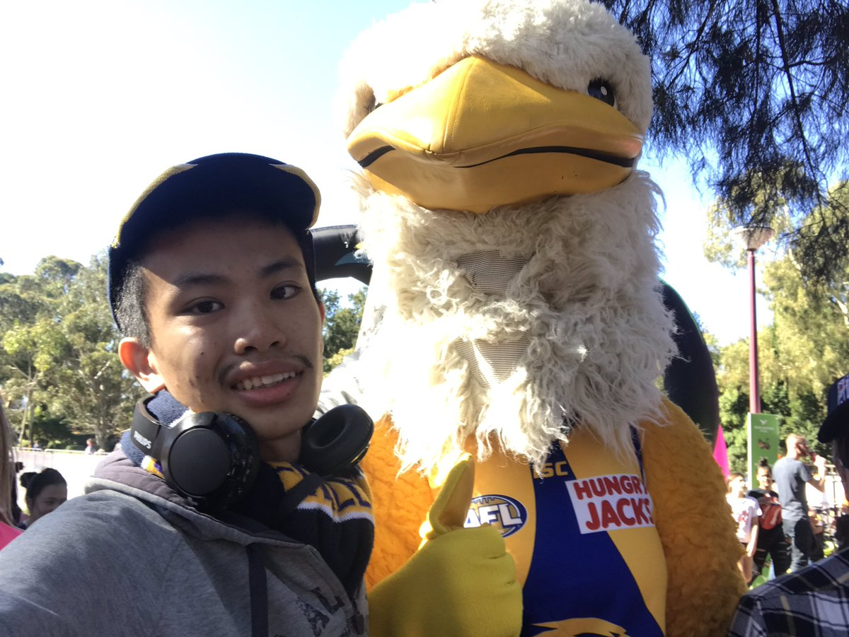 Post-Mascot Race photos with the WA mascots. https://t.co/zEng7n3As7 #WADay #WADay2019 #wadayfestival #mascot #mascotrace #westernaustralia #burswood #burswoodpark #perth #ricktherock @RickTheRockWCE @stjohn_wa @WestCoastEagles #perthmascots @Transperth #mastosbeer @WADayFestival https://t.co/uxan0pKnaE
