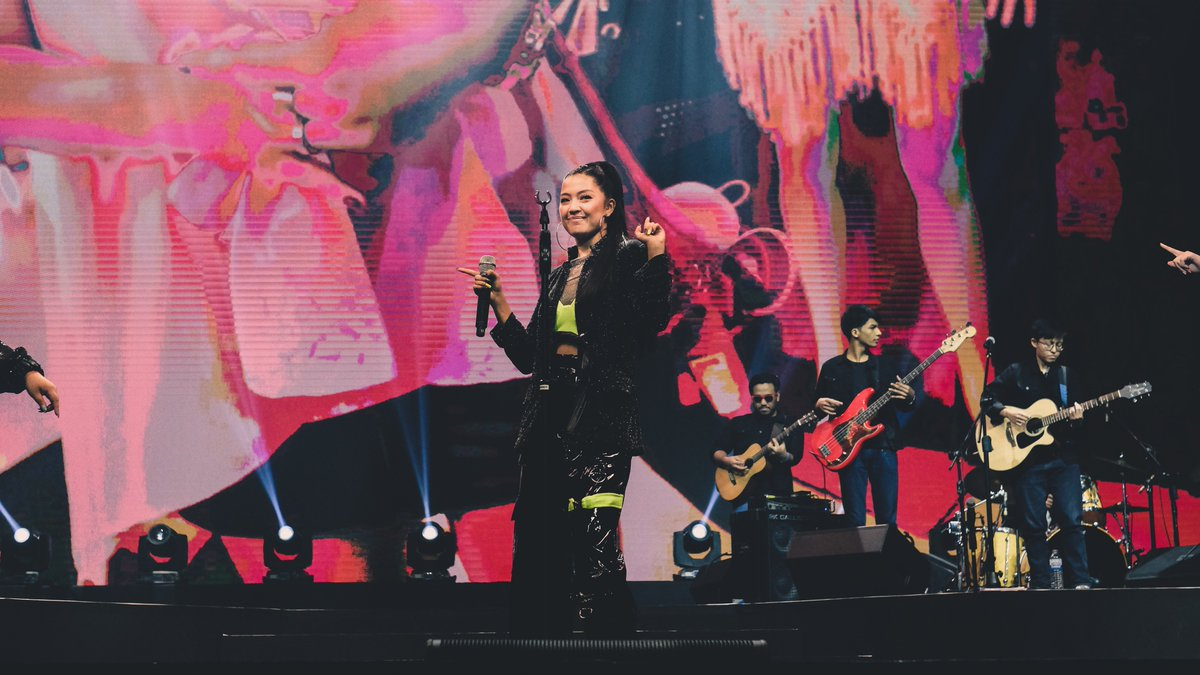 .@reigermar's energy lit up the stage as she danced and sang to her fans at #YTFFPH ✌️ → youtu.be/IOM8kuGlv6U