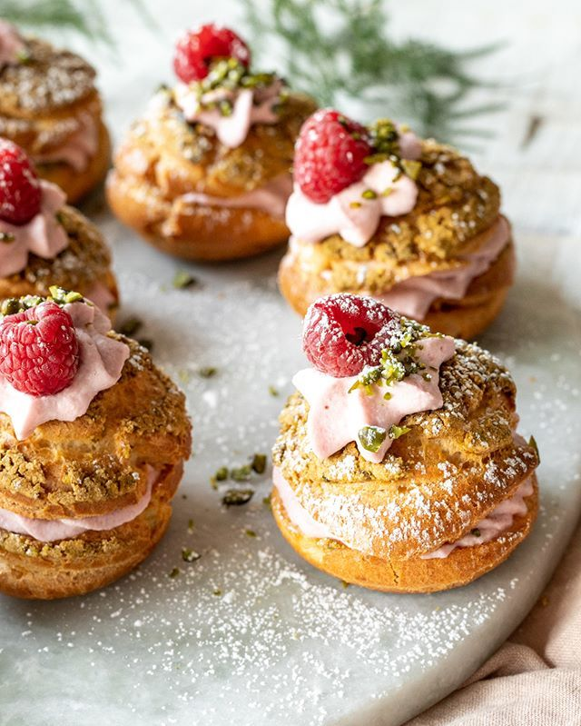 These soft pillowy cream puffs filled with homemade raspberry whipped cream are here to make your Tuesday 💯 better! Get the recipe and more sweet, sweet raspberry content now via the link in our bio! . . . #KSgram #inseason #seasonal #raspberry #anyo… https://t.co/GKUzP0YIax https://t.co/yFlnJSrih4