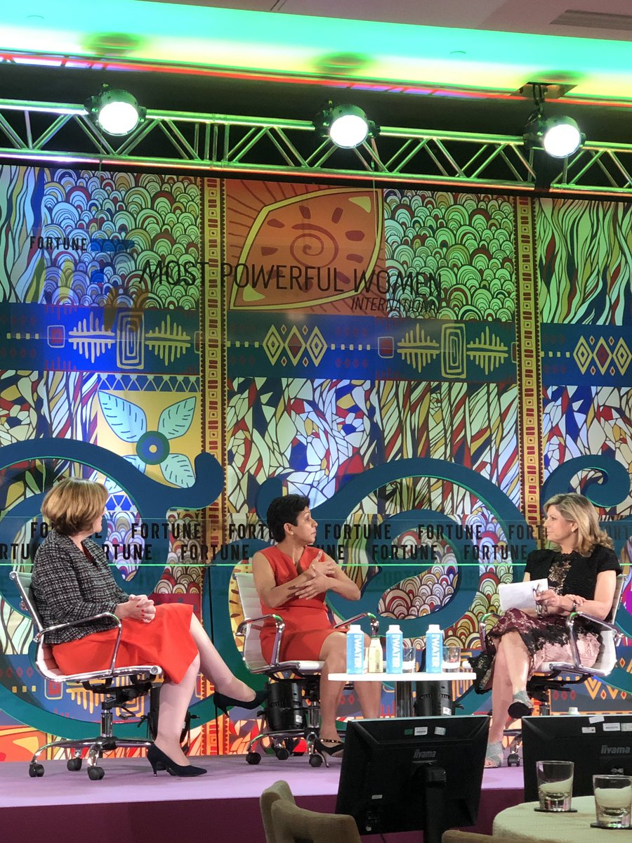 """Men vs. women pitching startups: """"The man will say 'I want to change the world.' The woman will say 'I have this idea.'"""" - @kirthigareddy @SoftBank tells @NinaEaston. Women at my table @FortuneMPW respond: """"Who would you rather invest in? The women grounded in reality."""" Touché!"""