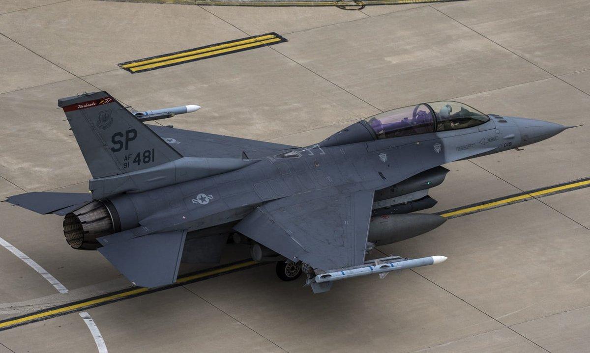 Lockheed Martin تعرض على بلغاريا بيعها مقاتلات F-16V  D8NLSrNW4AAw2kC