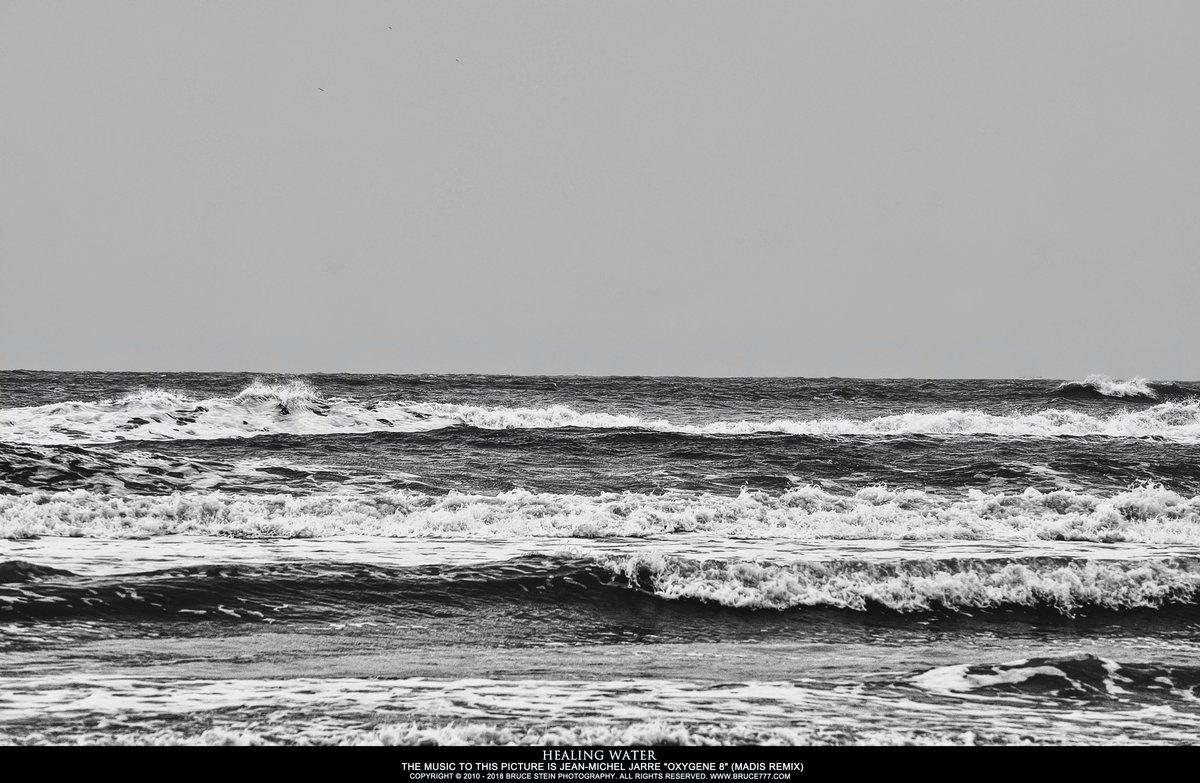 By Photo Congress    Jean Michel Jarre Oxygene 8 (madis Remix)
