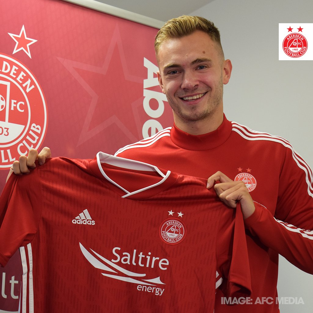 Every day in June we're highlighting a series of giveaways & offers to thank you for your support & to celebrate our first signing of the summer today you could win an AFC shirt signed by Ryan Hedges... All you have to do is retweet this before 9pm tonight!  #StandFree