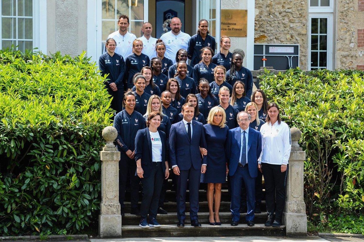 La selección francesa posa ante los medios.