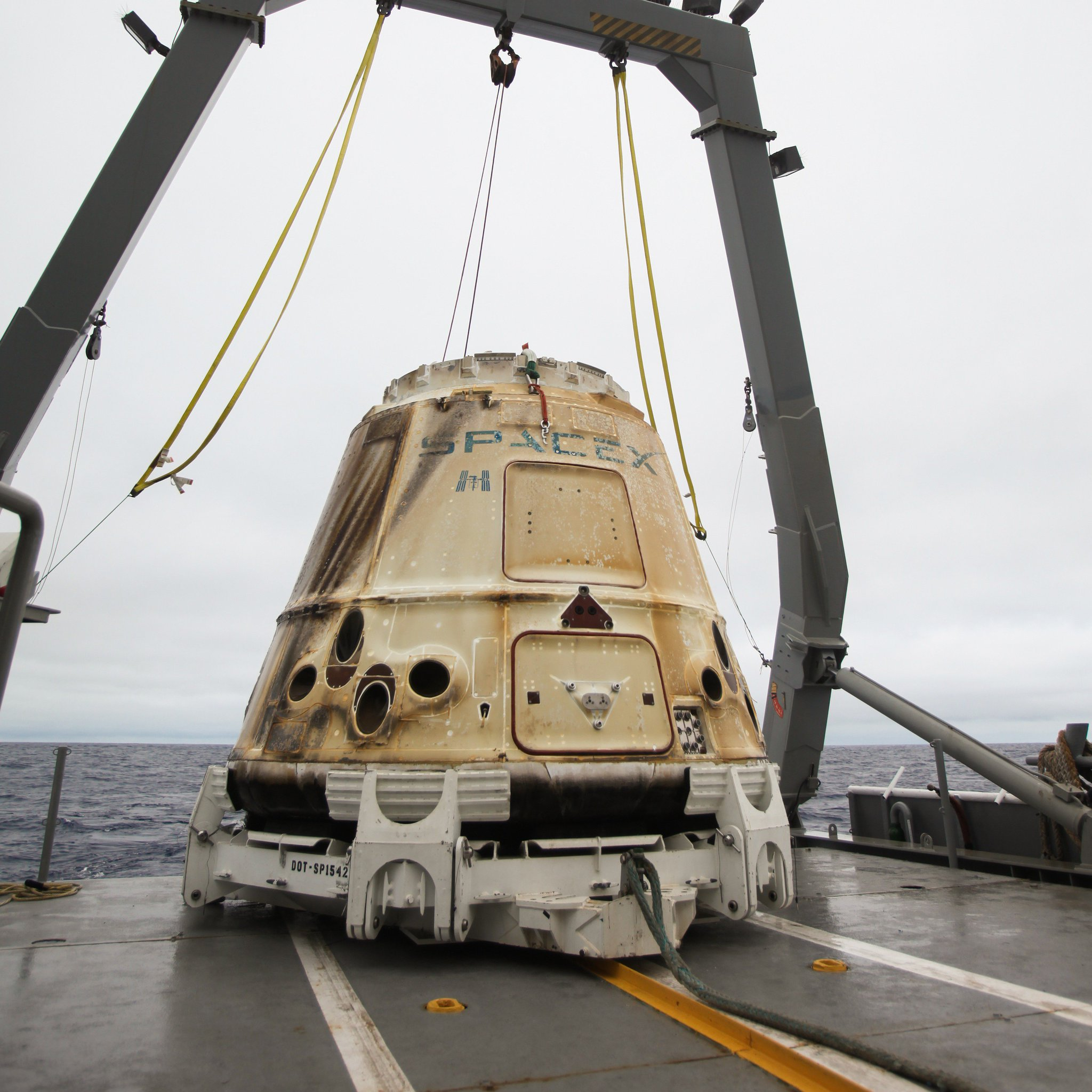 Falcon 9 (CRS-17) - CCAFS - 04.05.2019 - Page 6 D8PTe82V4AAV-Eh?format=jpg&name=large