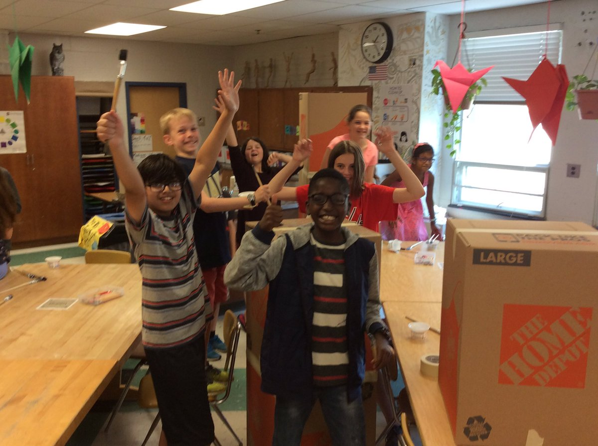 """5th graders are working so hard on the set painting for the """"School Daze"""" play next week! <a target='_blank' href='http://search.twitter.com/search?q=apsartsgreat'><a target='_blank' href='https://twitter.com/hashtag/apsartsgreat?src=hash'>#apsartsgreat</a></a> <a target='_blank' href='http://twitter.com/Ms_SternerMusic'>@Ms_SternerMusic</a> <a target='_blank' href='http://twitter.com/OakridgeSpecial'>@OakridgeSpecial</a> <a target='_blank' href='https://t.co/rs0PODfAV1'>https://t.co/rs0PODfAV1</a>"""