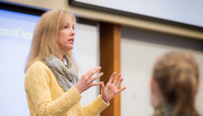 .@WakeForestBiz prof Julie Wayne has been named a Society for Industrial and Organizational Psychology Fellow. Fellows are distinguished industrial & organizational psychologists who have made an unusual & outstanding contribution to the field. https://t.co/mEcI9foaUN @SIOPtweets