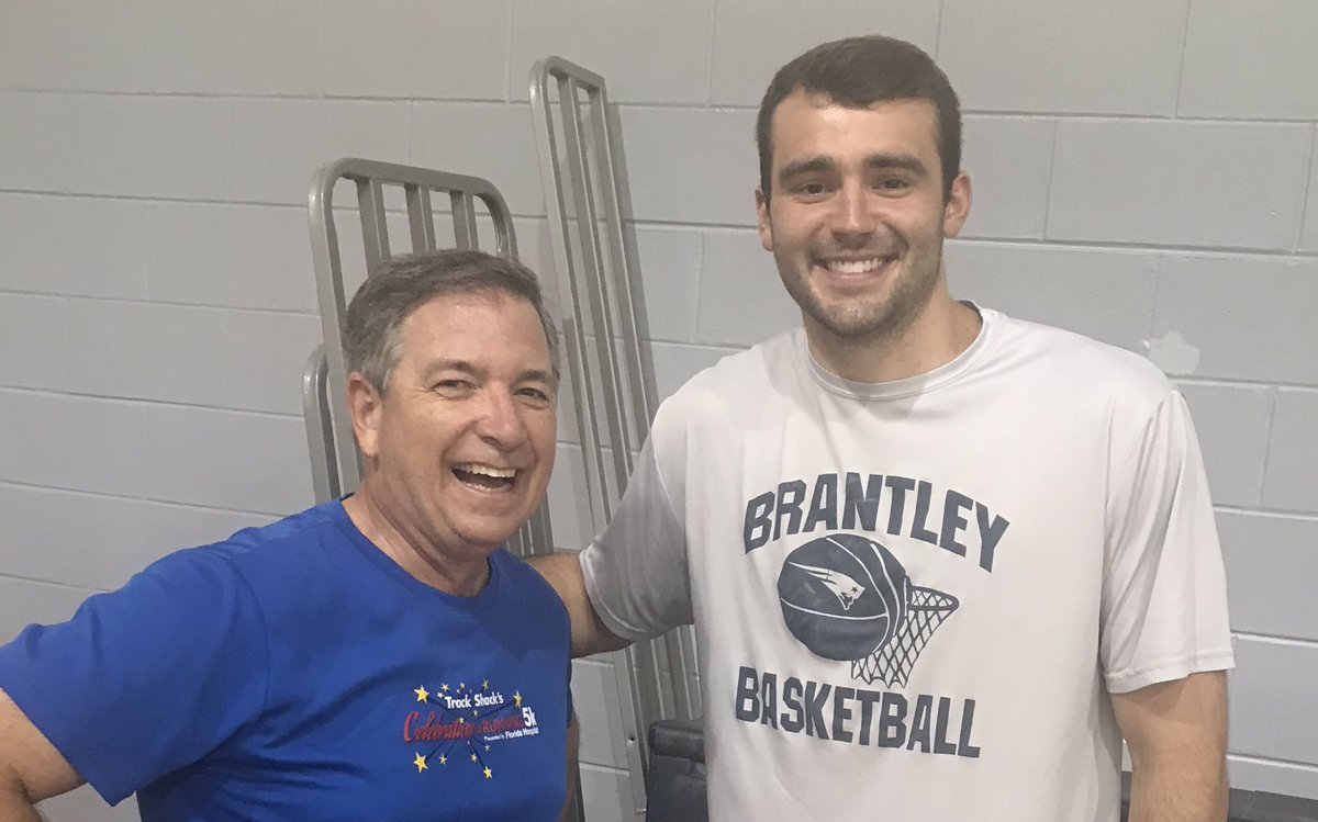 Just hanging with #LakeBrantleyHS grad and #NotreDame @NotreDame starting basketball center John Mooney at the #ACA gym tonight (giving him some, uh, pointers 😳)