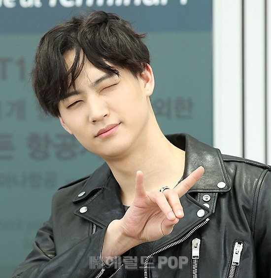 Saint Laurent - Twitter Photo - #GOT7 leader #JB looks
