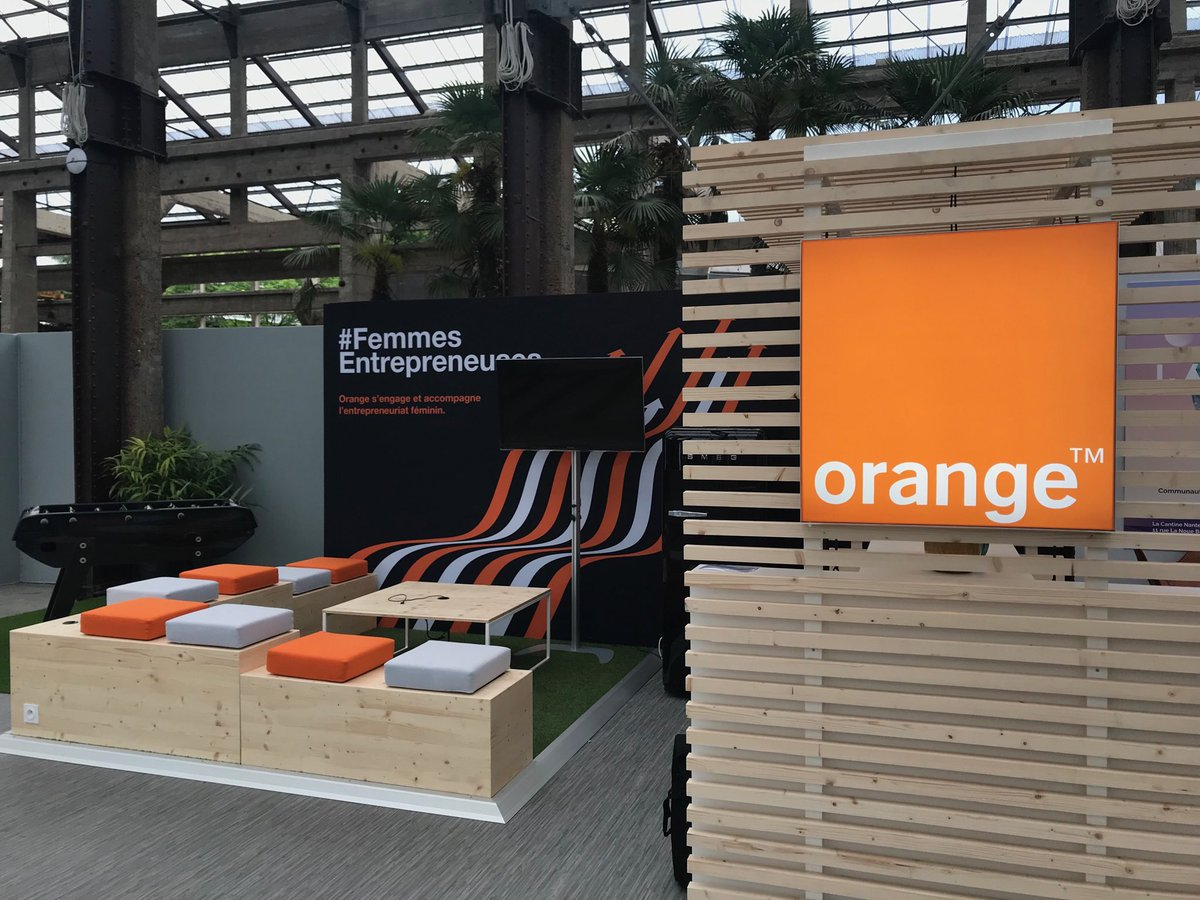 Welcome to the @Orange booth at the ultimate #Web2Day! <br>http://pic.twitter.com/jmRHosSHsY – à Les Machines de l'Ile
