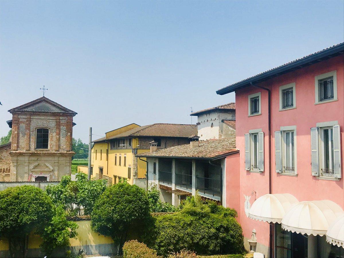 5b4bd5cf4c961 #iloveitaly #italy #bergamo #milan #beautifulpic.twitter.com/n2l7fugY33