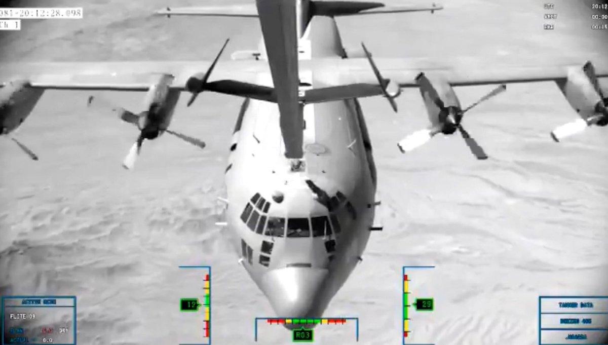 """Boeing تنهي الإختبارات على """"طائرة الصهريج الأولى KC-46 Pegasus"""" لسلاح الجو الأمريكي. D8SMnpmXYAUxgyV"""