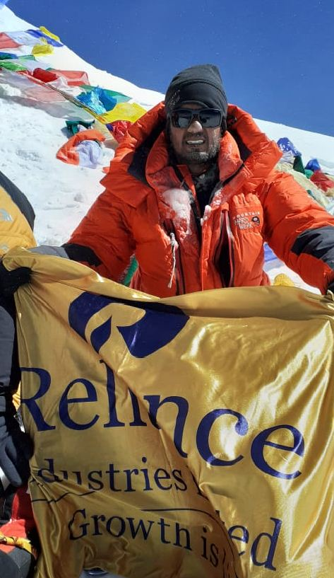 RIL Jamnagar employee conquers Mount Everest