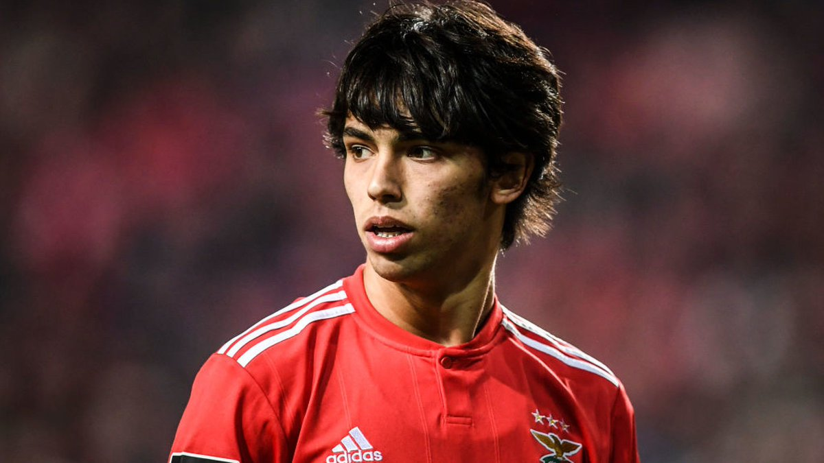 Man Utd, Man City and Real Madrid have offered €120m for João Félix. Man City have offered him €4.5m-a-season plus agent commission. While Man Utd and Real Madrid have offered €5m-a-season. (Source: Correio da Manhã)