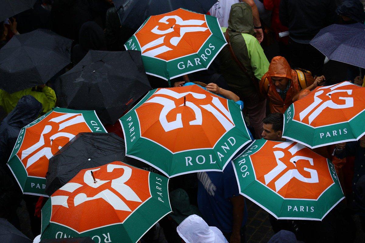 На Ролан Гаррос отменили игровой день из-за дождя (ДОПОЛНЕНО)