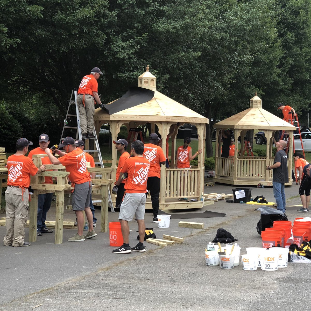 Daniel Grider On Twitter Today 200 Home Depot Technology Partners Came Together Doing Amazing Things For The Veteran Community In Asheville Nc Teamdepot Choosetoserve Shannonsgerber Mateo Money Heatherpp Https T Co Ubm7fyteyk