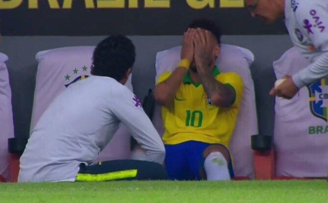 لحظة إصابة نيمار وخروجه من مباراة البرازيل وقطر الودية