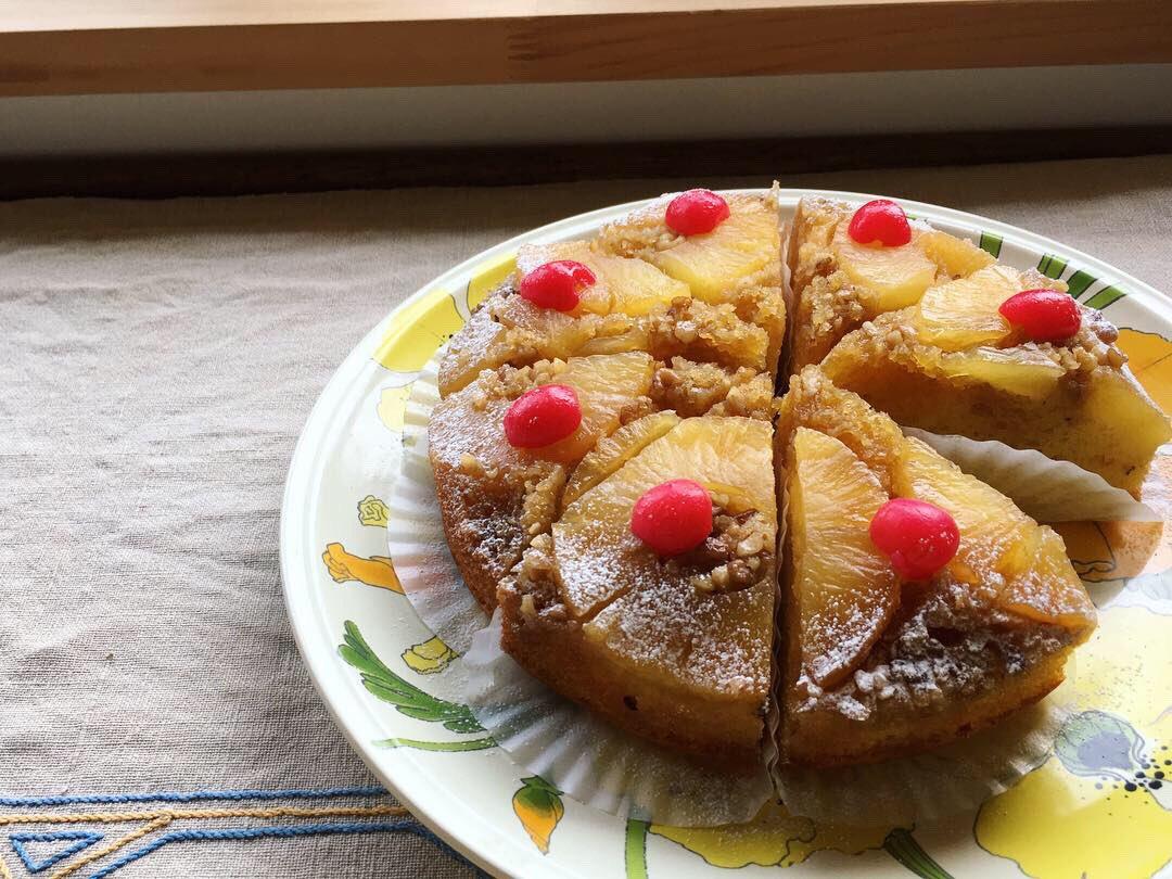 OPEN🌜✨ 今週も木金土 営業です。  今週からパイナップルのアップサイドダウンケーキご用意しています。  ちょっとレトロで懐かしさもあるケーキ。ぜひどうぞ。