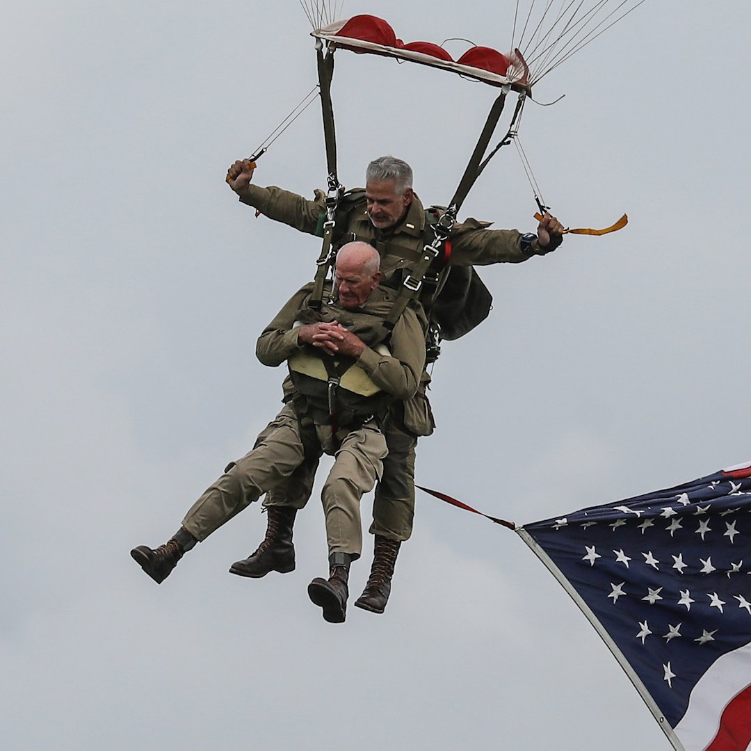 """It went perfect."" A 97-year-old D-Day veteran just parachuted into Normandy — again http://mag.time.com/ad2AG96"