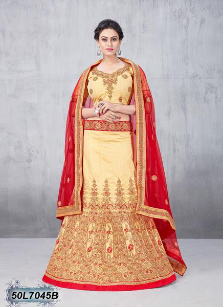 Be a perfect bride with these designer Lehenga Cholis. The lovely embroidered, patch border, resham and zari work throughout the attires are awe inspiring.  ✓Free shipping and COD!!  ✓Click here : http://bit.ly/2VWHCNE   #bridalwear #style #fashionblogger #bride #indowestern