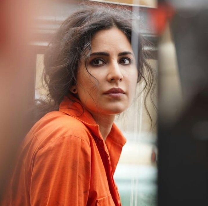 So now lets come to #Kumud Raina played by #Katrina Kaif..... She deserves all love n respect for portraying such a difficult n important part beautifully... After Tiger,  Zero,  Namastey london,  new york,  mere brother ki dulhan manu more... She wowed us again just luv u https://t.co/WV0TbTE73X
