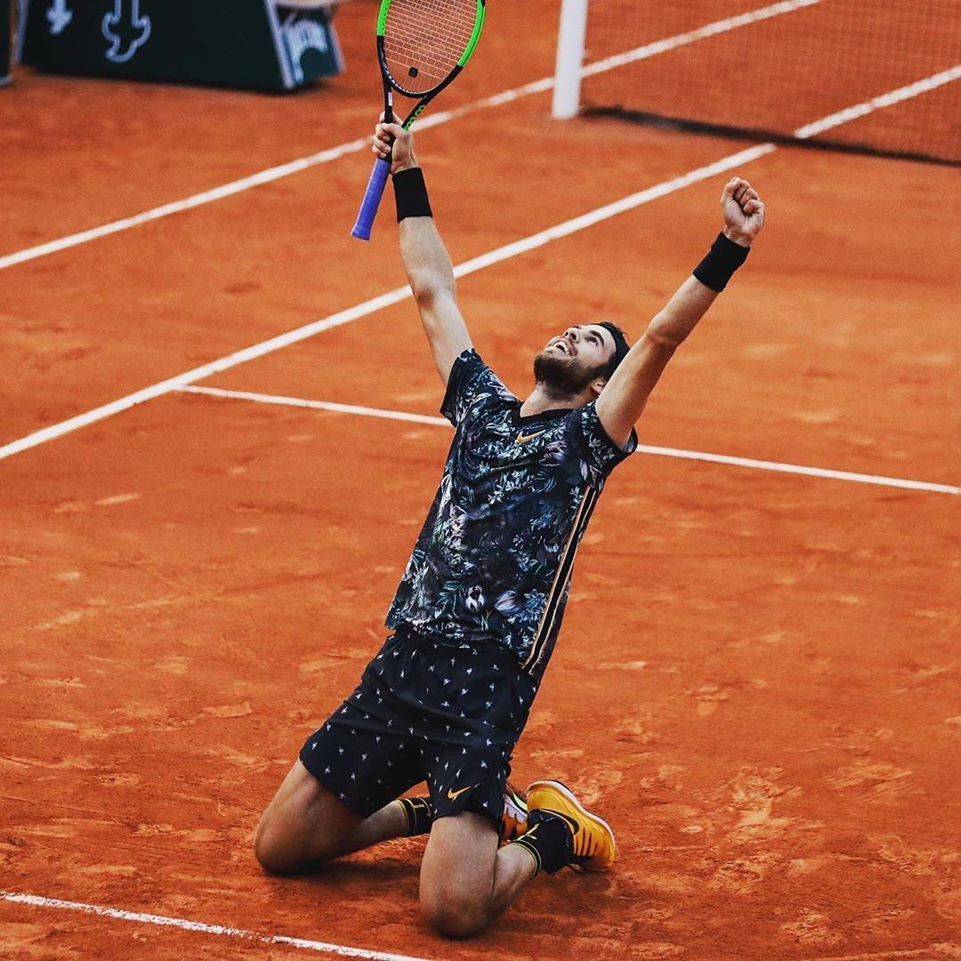 That moment you see the ☀ is shining over Paris today... . #RG19 #Tennis #ATPTour @rolandgarros @internazionalibnlditalia | #ibi19 #MMOpen #Tennis #ATPTour #MMOPEN #ATPTour #DelPotro #Madrid #ATPTour #Tennis #ATPTour #marrakech #BNPPO19 #Tennisparadise #ATPTour #Masters1000