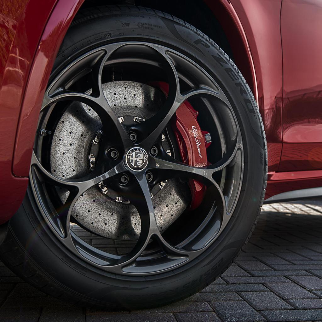 Warning! Keep scrolling if you don't want to fall in love ❤️ Click here to discover the full range of Alfa Romeo Authentic Accessories powered by Mopar®: http://alfaromeo.mopar.eu/alfaromeo/  #Mopar #AlfaRomeo