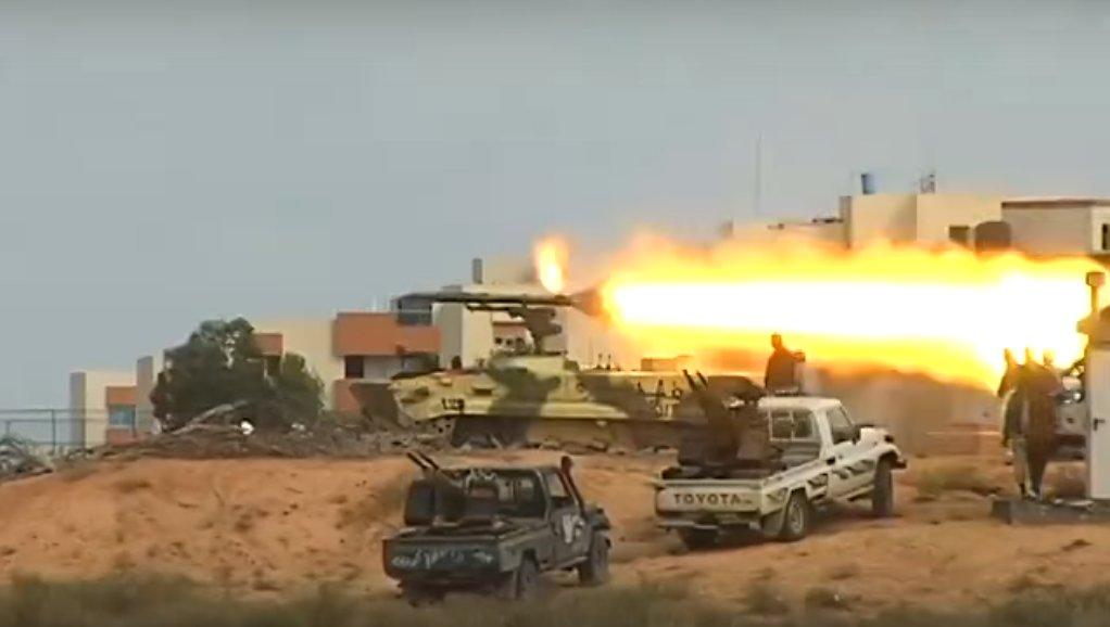 الصواريخ الروسية المضادة للدبابات Khrizantema-S لليبيا D8XbM2HXsAAG5Hx