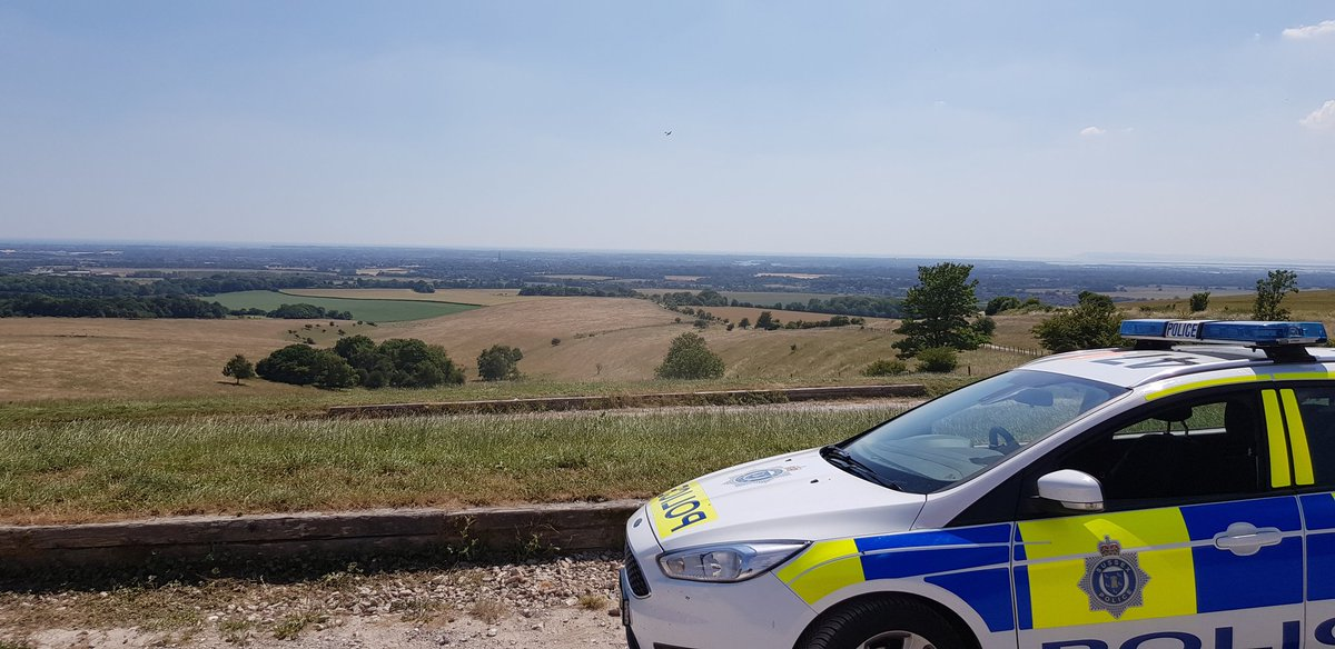 Thieves are operating in local beauty spot car parks.  We are patrolling regularly in these areas.  Remove all valuables from your vehicles.  #ProtectYourPossessions #SecureYourVehicle pic.twitter.com/gErFsTw1SO