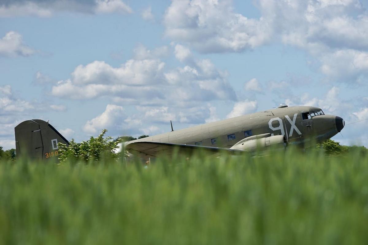 Dakota Over Normandy - Juin 2019 - 75ème anniversaire du débarquement D8YHPTNWsAAea2K