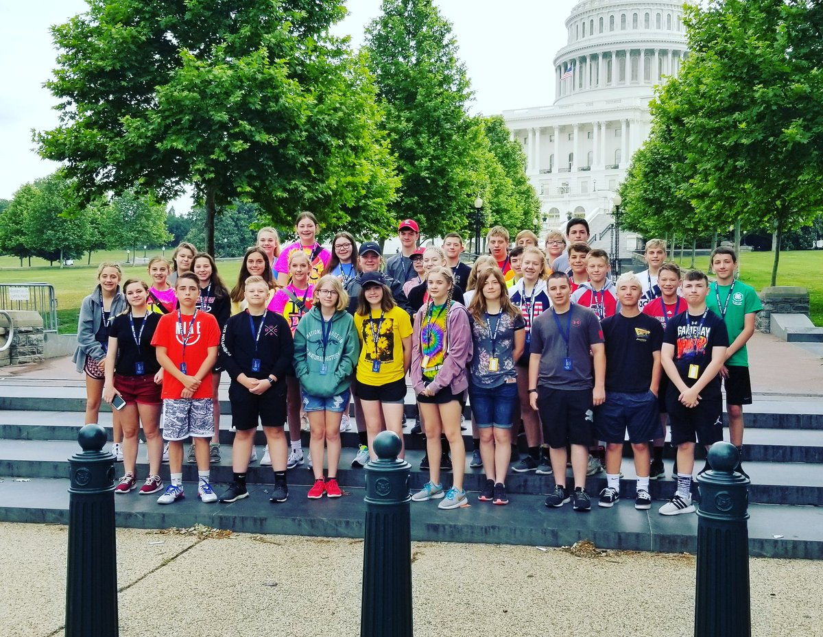Our great @GTravelAlliance group from #Iowa is ready to tour #capitolhill here in #DC! #capitol #libraryofcongress #SupremeCourt #potomactours #8thgradetrip #seetheusa #studenttours<br>http://pic.twitter.com/zXruAQB77l