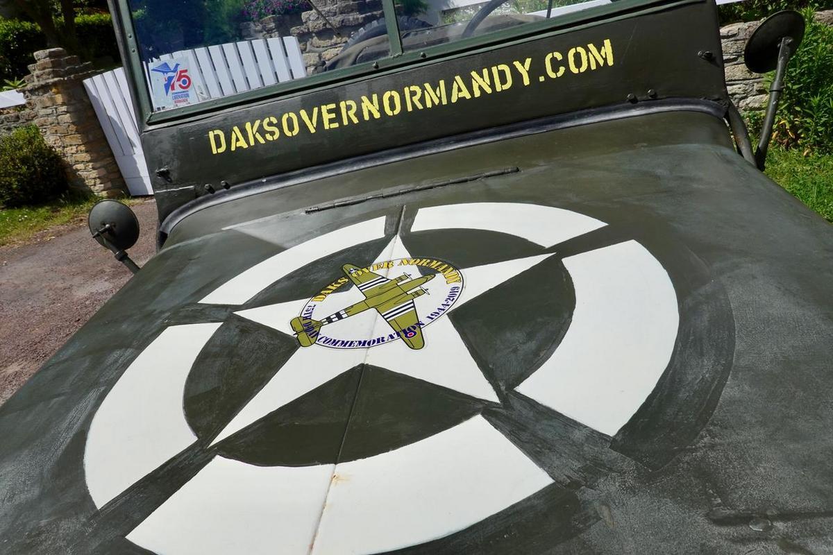 Dakota Over Normandy - Juin 2019 - 75ème anniversaire du débarquement D8YHx4VXYAAlDu8