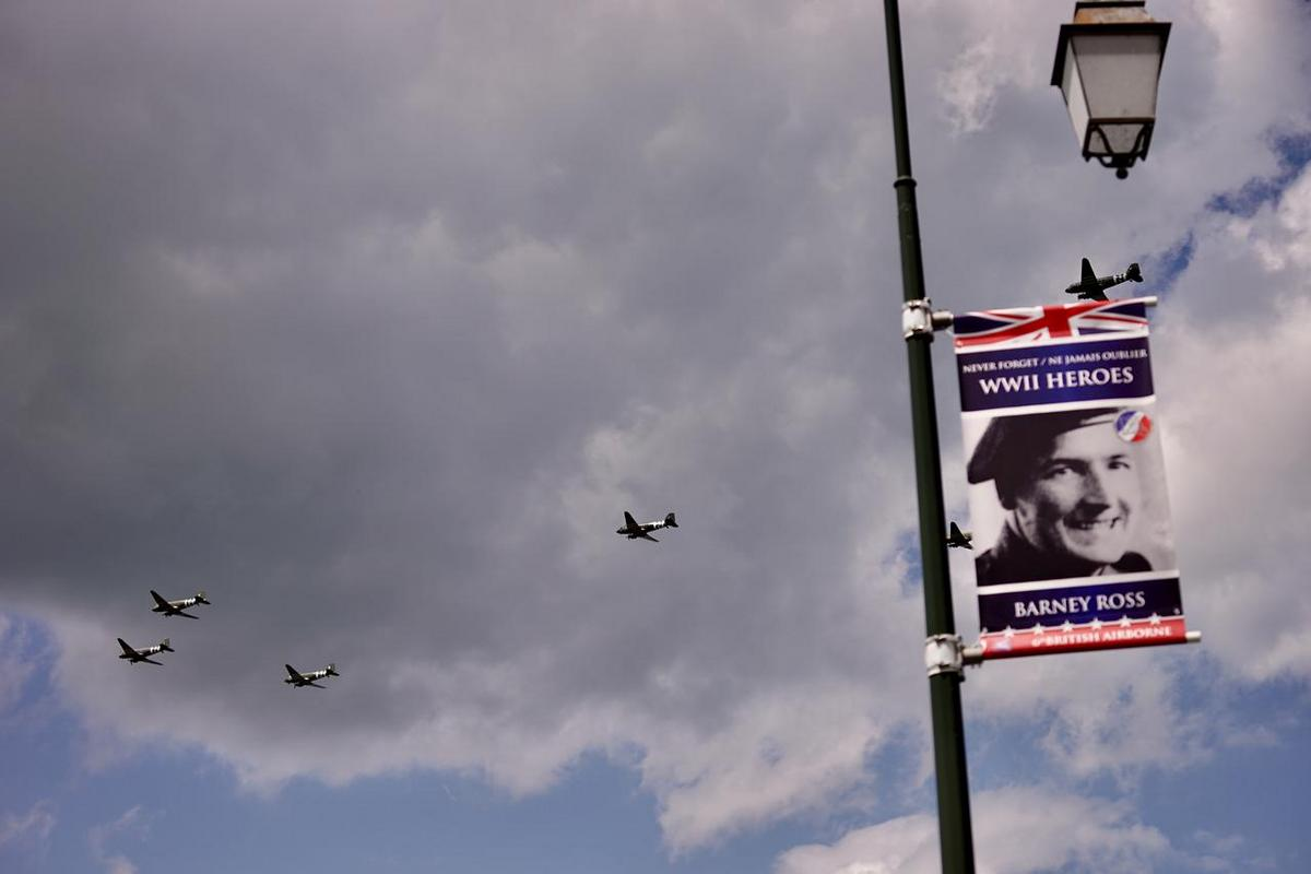 Dakota Over Normandy - Juin 2019 - 75ème anniversaire du débarquement D8YHx4eW4AEl8YK