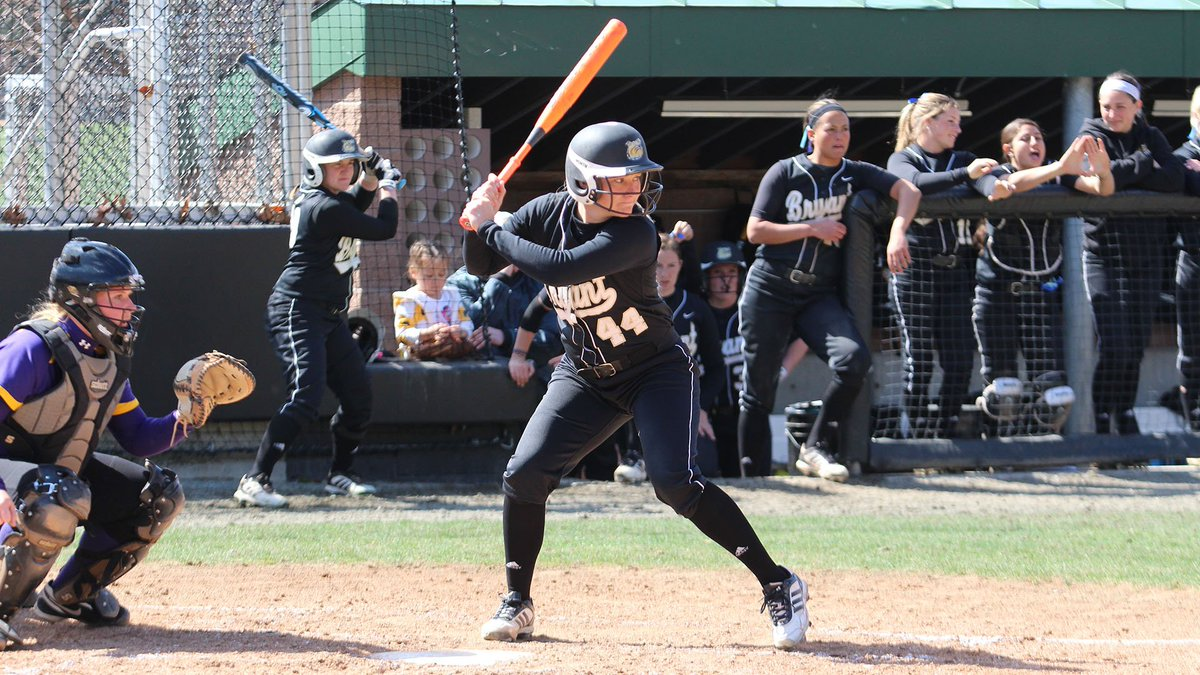 .@MadsenElle '16 had a monster season in 2014 by setting the single-season record for RBIs (41) and home runs (13).   She ALSO posted the most wins in a single-season during that same year with 25 in the circle.   Talk about different 🔥  #TBT #GoBryant