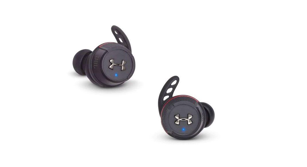 Waterproof, sweatproof, excellent audio, no wires. The Flash True Wireless ear buds by @UnderArmour and @JBLaudio #readrunrepeat #findyourdirt #findyourvert #trailrunner #trailrunning buff.ly/2QMIUpp