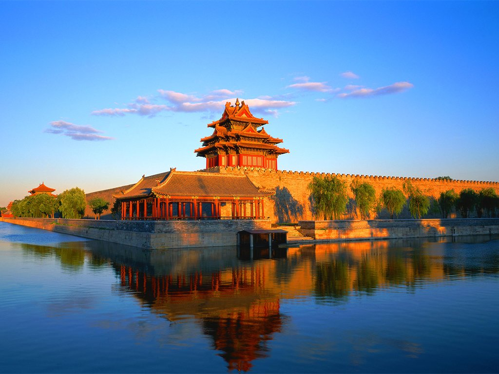 The Forbidden City is the ancient heart of China. Walk through grand halls of the historic palace and admire the incredible architecture that has been well-preserved since the structure was built in 1420 #swaindestinations #forbiddencity