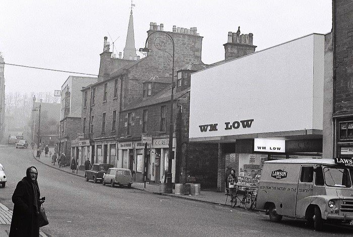 "Ian Fraser on Twitter: ""Here's another branch in Lochee high street, Dundee.  Looks like it could have been in the 1950s or 1960s?…  https://t.co/djNkHYRmlg"""