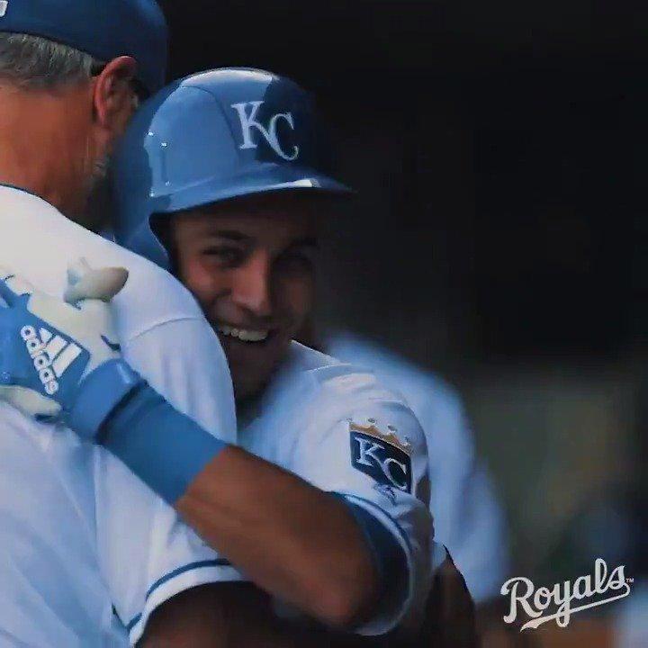 Lopez's 1st MLB homer sparks Royals in Omaha