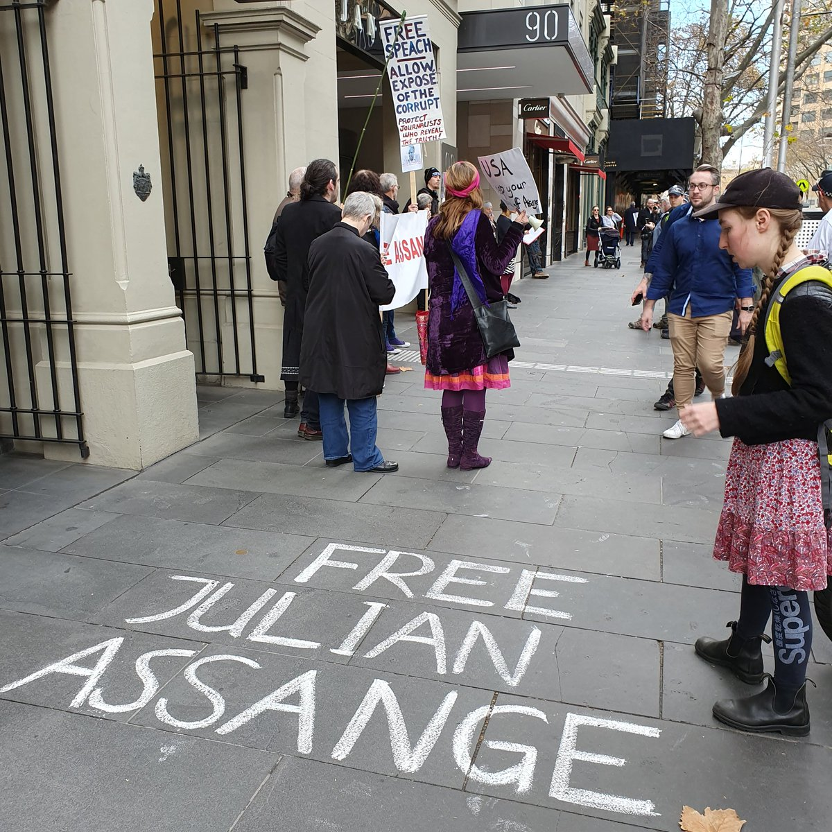 Free Julian Assange Now. Melbourne comes out in support of Julian Assange at UK Consulate, Melbourne #FreeAssange @johnpilger @wikileaks <br>http://pic.twitter.com/JsP4XZIj5J
