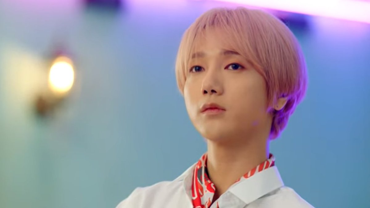 """#SuperJunior has released the MV teaser for #Yesung's upcoming track """"Pink Magic."""" It looks and sounds so good already! #kpop #kstar   https://www.youtube.com/watch?v=-xizdAllk7I…"""