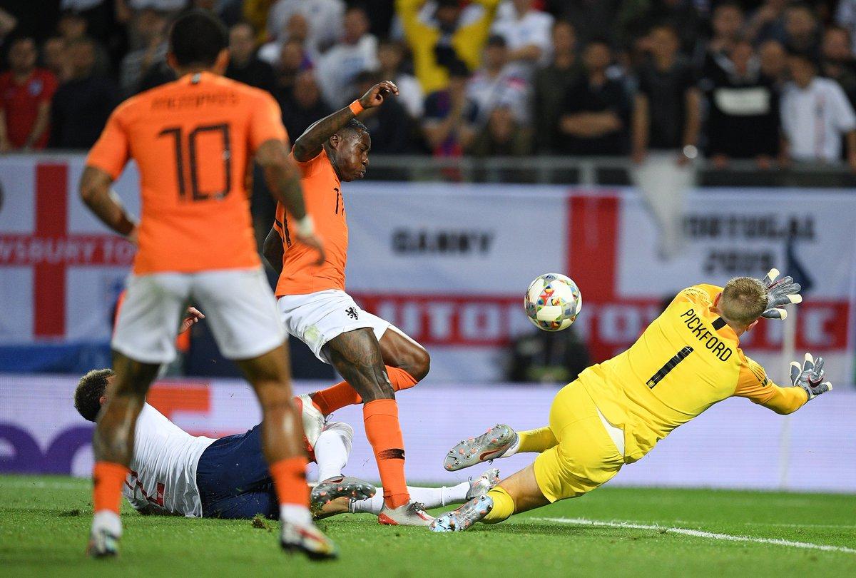 هولندا تقصف إنجلترا لتواجه البرتغال في نهائي دوري الأمم 28